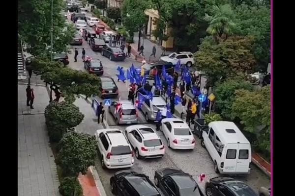 ბათუმის ქუჩები ამ წუთებში (ვიდეო)