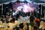 cunami-indoneziuri-pop-bendis-koncertze-scenas-angrevs-da-musikosebs-klavs-video