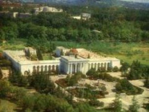 kurorti-sairme-1-larad-parlamentis-fraqcia-nacionaluri-moZraobis-wevrs-Temur-koxoZes-aCuqes
