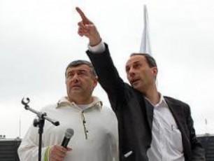 ratom-aris-Tanaxma-qarTuli-partia-burjanaZis-partiis-wyena-daiviwyos