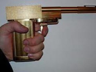 bondianadan-pistoleti-moipares