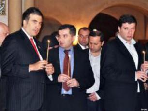 prezidenti-ugulava-premieri-saakaSvili-parlamentis-Tavmjdomare-baqraZe