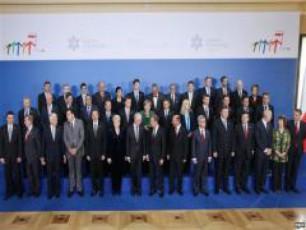 evrokavSiris-dapirebebi-varSavis-samitze