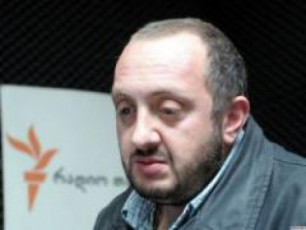 ivaniSvilis-gaerTianeba-demokratiuli-frontis-saxes-iRebs