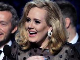 Billboard-Music-Awards-is-triumfatori-adeli-gaxda-VIDEO