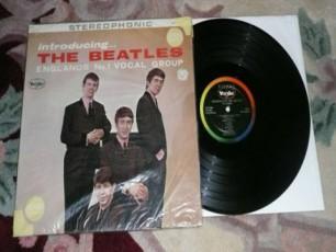 The-Beatles-is-ucnobi-albomi-auqcionze-gaiyida
