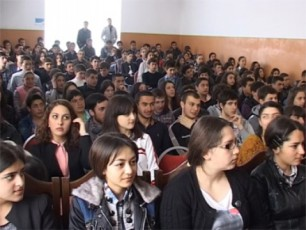 შსს-ს წარმომადგენლებმა ახალციხეში სკოლის მოსწავლეებს ანტინარკოტიკული კამპანია გააცნეს