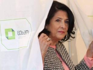 salome-zurabiSvili-saqarTvelos-prezidentia-saakaSvili---daumorCilebeli