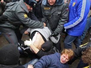 rusi-deputatebi-orsuli-qalis-cemis-faqtis-gamoZiebas-iTxovenVIDEO