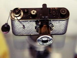 fotoaparati-Leica-auqcionze-216-milion--evrod-gaiyida