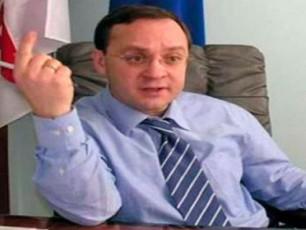 gia-cagareiSvili-gurulebi-saparlamento-umravlesobis-politikur-mousavleTSi-gastumrebas-elodebian