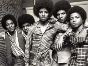 The-Jacksons-scenas-ubrundeba-VIDEO