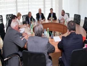 biZina-ivaniSvili-NDI-is-delegacias-SexvdaVIDEO