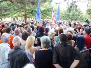 Tavisufali-demokratebi-Tbilisis-masStabiT-mosaxleobas-xvdebian