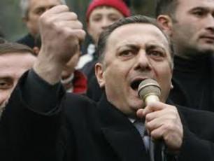 Salva-naTelaSvili-mZarcveli-mxedrioneli-samadaSvili-da-saakaSvilis-nomriani-agenti-wulukiani-ver-gvajobeben