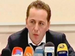 dimitri-gabunia-da-mamuka-mdinaraZe-Jurnalistebs-Tbilisi-meriotSi-pres-konferenciaze-iwveven