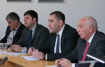 saqarTvelos-parlamentis-Tavmjdomaris-moadgilis-zurab-abaSiZis-5-dRiani-oficialuri-viziti-latviasa-da-litvaSi-dRes-dasruldeba