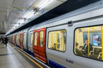 londonis-metroSi-qali-21-wlis-studentma-biWma-amSobiara