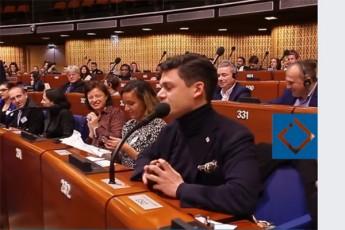 evrosabWos-sxdomaTa-darbazSi-sityviT-pianisti-daviT-aladaSvili-gamovida-video