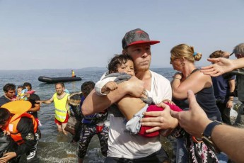 gaero-libiidan-italiaSi-mimavali-yoveli-me-15-migranti-iRupeba