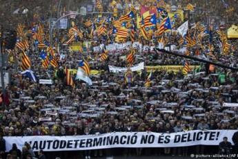 barselonaSi-kataloniis-dakavebuli-liderebis-gaTavisufleba-200-000-demonstrantma-moiTxova