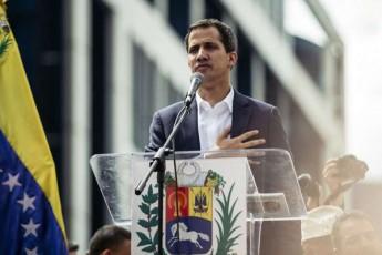 xuan-guaidom-venesuelis-prezidentis-rangSi-xeli-pirvel-brZanebas-moawera