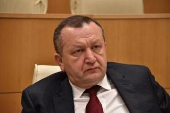 mTlianad-parlamentia-saxlSi-gasaSvebi-da-ara-kobaxiZe