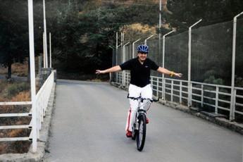giuli-alasania---miSas-bavSvobaSi-velosipedi-uyvarda