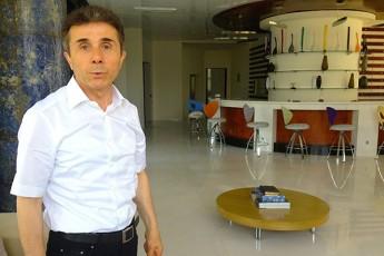 ivaniSvils-politikidan-gaqcevaze-uWiravs-Tvali-politika-misTvis-tvirTia-da-am-tvirTis-tareba-ar-unda