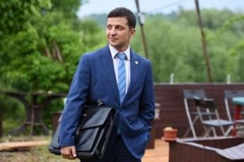 zelenskis-yirimSi-mdebare-penthausis-gamo-ultimatums-uyeneben