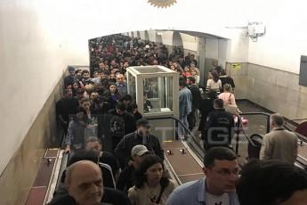 metrosadgur-samedicinoze-matareblis-teqnikuri-xarvezis-gamo-mcirexniani-Seferxeba-iyo-video
