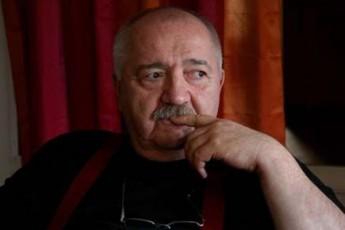 rusTavelis-Teatri-moskovSi-miemgzavreba
