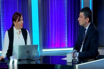 giorgi-gaxarias-reaqciaSi-interviu-telekompaniasTan-saprotesto-aqciis-fonze-gaimarTeba