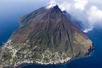 italiaSi-vulkani-stromboli-amoifrqva