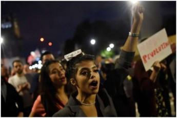 britaneTSi-parlamentis-muSaobis-SeCerebas-protesti-mohyva