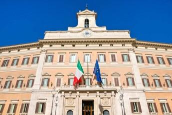 italiis-parlamentSi-deputatebis-raodenoba-Semcirdeba
