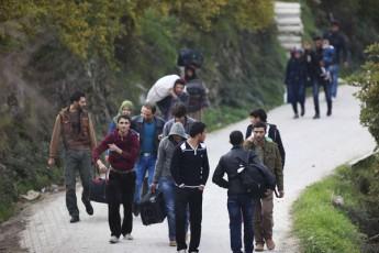 siriis-sazRvrispira-qalaqebs-mosaxleoba-tovebs