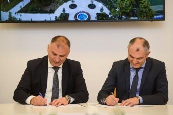 saqarTvelos-banki-da-kavkasiis-universiteti-strategiul-TanamSromlobas-iwyeben