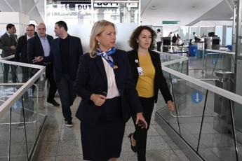 ministrma-aeroporti-daiwuna---ratom-aris-ukmayofilo-naTia-Turnava