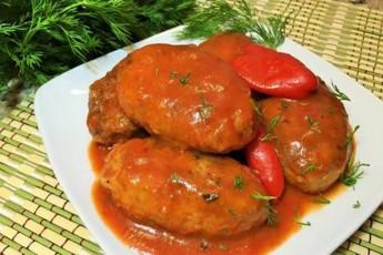kartofilis-katletebi-tomatis-wvenSi---sadili-faqtobrivad-arafrisgan