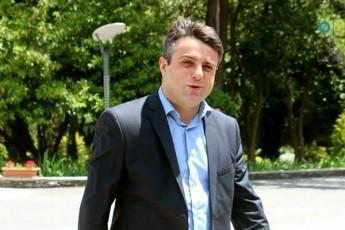 irakli-SiolaSvili-mamuka-kacitaZes--Cemda-samwuxarod-am-SemTxvevaSi-Tqven-warmoadgenT-politikur-Zalas--romelic-ar-imsaxurebs-daTmobaze-wasvlas