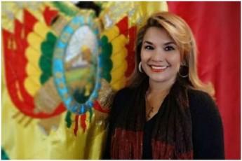 bolivielma-senatorma-Tavi-droebiT-prezidentad-gamoacxada