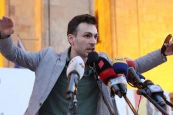 SoTa-diRmelaSvili-25-noembrisTvis-masStaburi-aqciisTvis-vemzadebiT-parlamentis-piketirebas-kvlav-movaxdenT