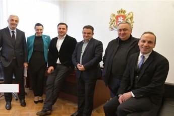 aris-kvirikaSvili-iseTi-lideri-romelsac-SeuZlia-ganacxados-rom-lideria