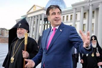 kuluarebSi-somxeTis-patriarqi-da-saakaSvili-farulad-garigdnen