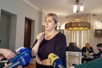 TaTia-molaSvili-sulxan-molaSvili-ixveweboda-Cemi-2-wlis-Svili-maCveneTo-da-ara-informacias-gaitanso