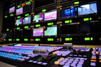televiziis-valebis-gamo-dapirispireba-isev-grZeldeba
