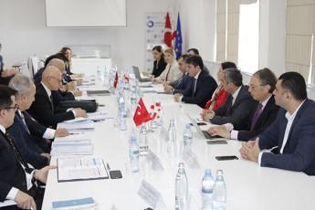 finansTa-saministros-Semosavlebis-samsaxurs-TurqeTis-mTavrobis-warmomadgenlobiTi-delegacia-ewvia