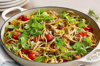 spageti-pomidvriT---ori-erTSi