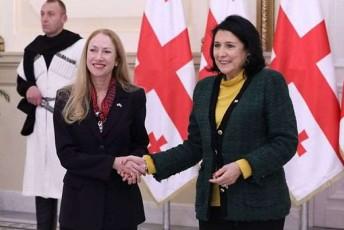 keli-degnani-politikuri-liderebis-Sewyalebaze-prezidentma-qveynis-interesebi-sakuTar-personalur-Sexedulebebze-win-daayena